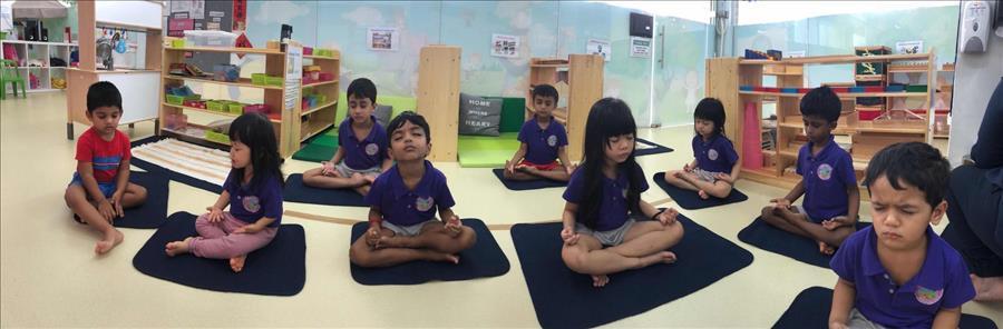 儿童瑜伽,冥想打坐